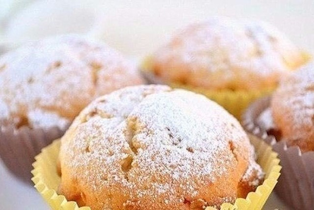Мягкие, вкусные, пышные творожные кексы делаю каждые выходные. Дети с собой в школу берут. Обалденные получаются.