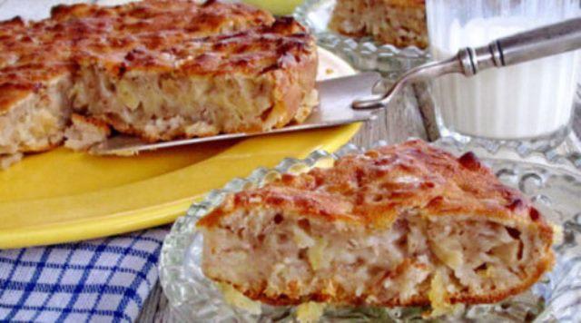 Этот рецепт яблочного пирога я привезла из Италии - настолько нежный, что просто тает во рту.