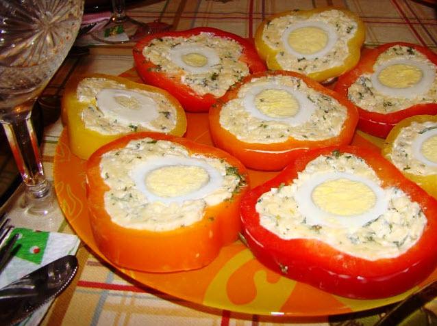 Пикантная и быстрая закуска - перец с сырной начинкой и яйцом! БЛЮДО — СКАЗКА!
