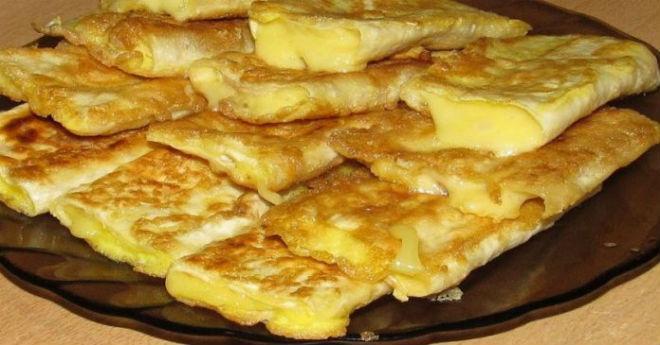 Всего 3 ингредиента и вашему удивлению нет предела — вкусная закуска к завтраку готова! Попробуйте.