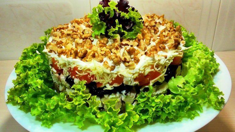Новогодний салат «Увертюра»