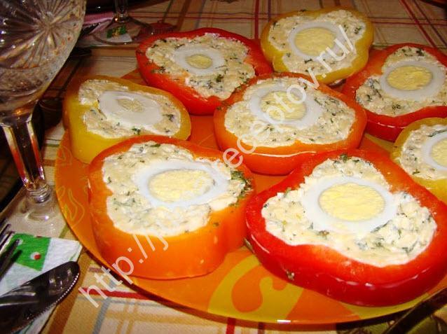 перец с сырной начинкой и яйцом фото
