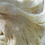 Дрожжевое тесто на растительном масле - рецепт-сказка, тесто столетия. Пышное, легкое, с пористым мякишем. Растет - на глазах.