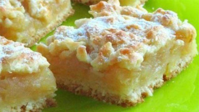 Простейший пирог с нежной лимонно-яблочной серединкой «Всегда удачный». Приготовить этот десерт сможет каждый! Сумасшедший аромат, а какое богатство вкуса!