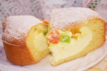 Пирог с творожной начинкой и цукатами мы просто обожаем. делаю часто, уходит на ура.