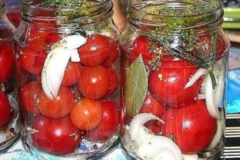 Очень вкусные помидоры, попробовав раз, я делаю их каждый год!!!