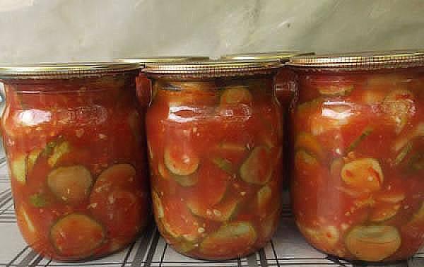 Огурцы в томате на зиму зимой разлетаются на «ура».