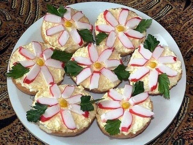 "Вкусные закусочные Бутерброды ""Крабовые цветы""!"